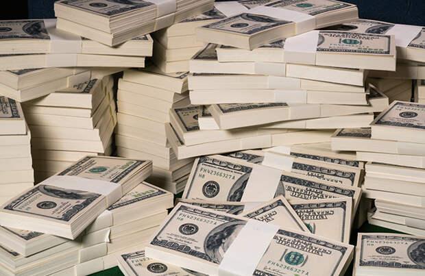 В РФ выросло число долларовых миллионеров