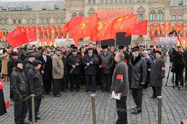 В случае сноса мавзолея и захоронения В.И. Ленина могут начаться народные волнения / Фото: kprf.ru