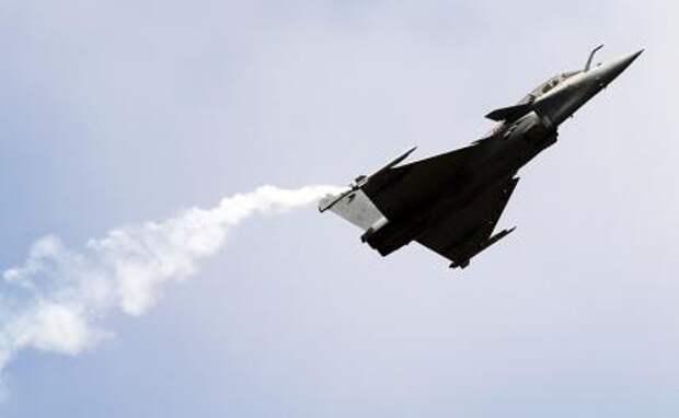 На фото: французский многоцелевой истребитель четвертого поколения Rafale