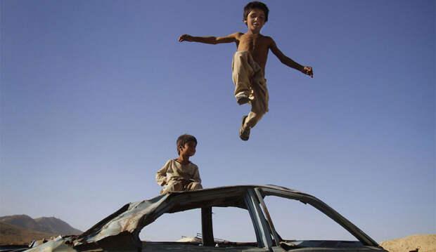 Deca-rata-foto-AP-Ahmad-Jamshid