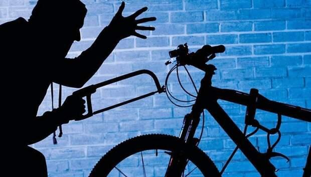 Рецидивист с болторезом похищал велосипеды из многоэтажек в Подольске