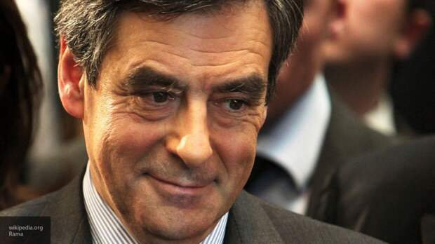 Экс-премьер Франции Фийон получил тюремный срок за растрату госсредств