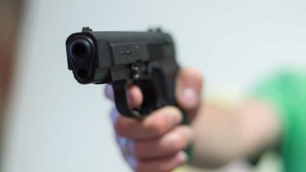 Неизвестные открыли стрельбу в одной из школ Казани