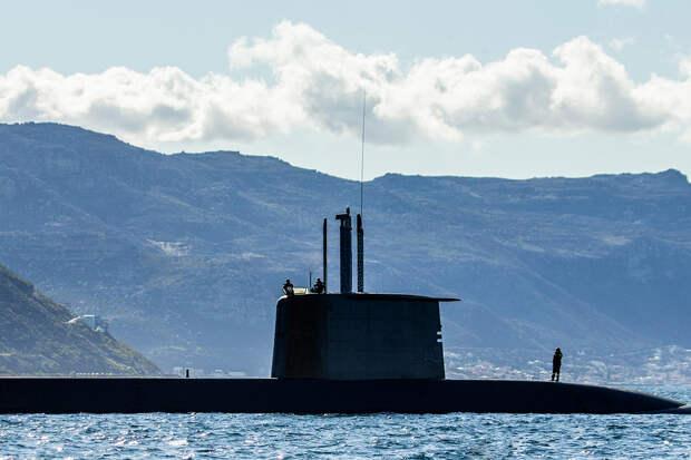 ВМС США заметили под водой загадочные движущиеся объекты