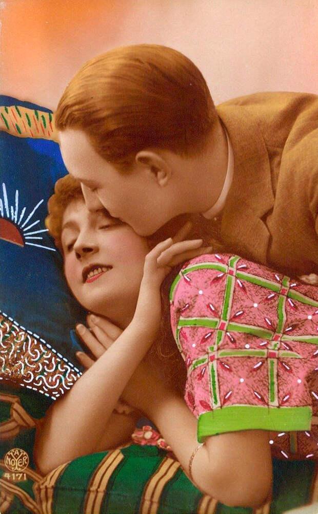 Французские открытки, в которых показано, как романтично целовались в 1920-е годы 26