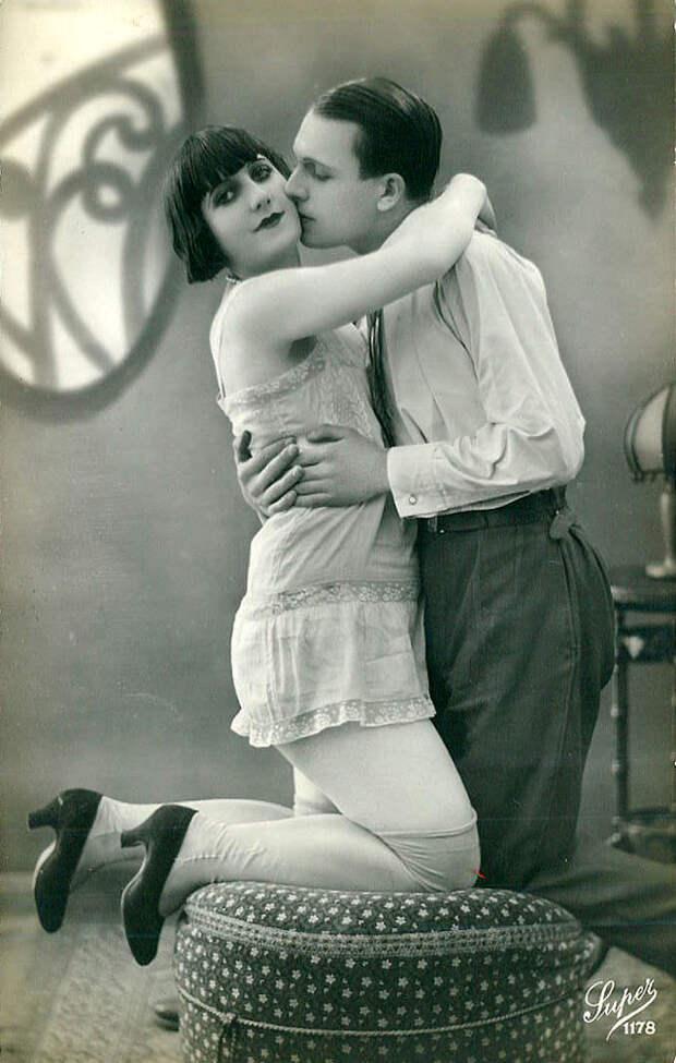 Французские открытки, в которых показано, как романтично целовались в 1920-е годы 25