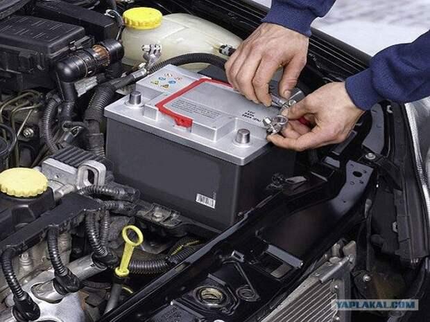 Что бывает, если менять автомобильный аккумулятор не снимая обручального кольца
