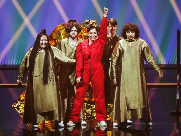 """Иностранные журналисты оценили выступление Manizha в полуфинале """"Евровидения"""""""
