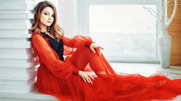 Самодурова рассказала о желании реализовать себя в пении: «Попробую записать песню. Насчет альбома пока не уверена»
