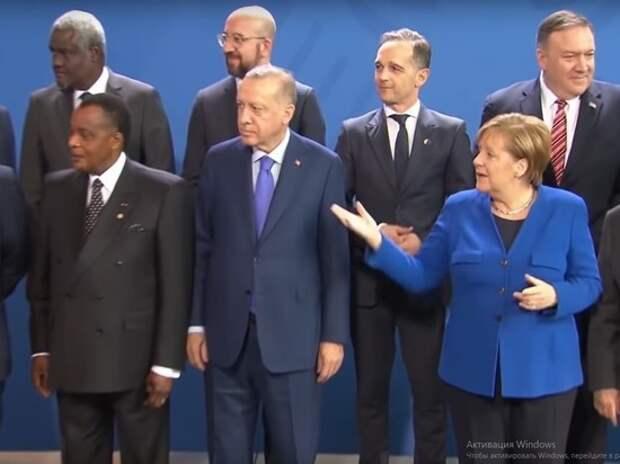 Меркель и Макрон не на шутку заволновались, когда «потеряли» Путина