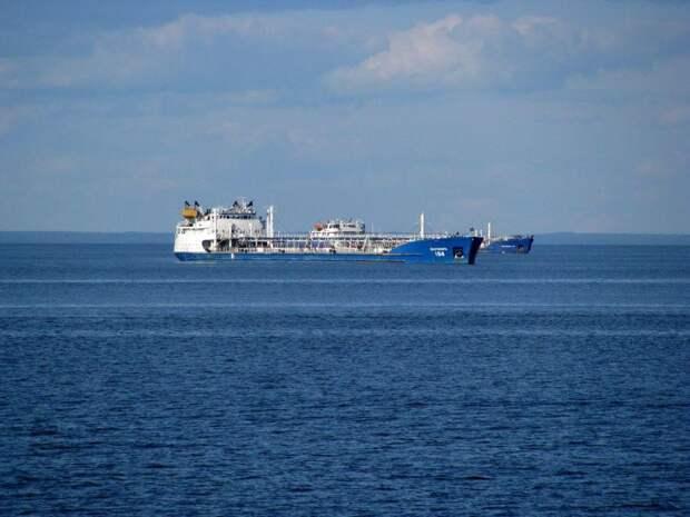 Прокуратура проводит проверку из-за взрыва на танкере «Генерал Ази Асланов»
