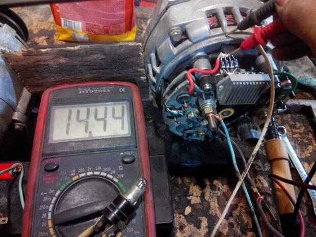 Автоэлектрик поставил точку: можно ли устанавливать в машину аккумулятор большей ёмкости?