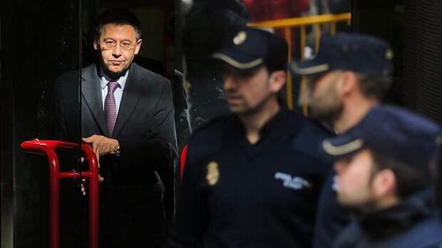 """Новый скандал в """"Барселоне"""": арестован экс-президент Бартомеу, в офисе обыск. Все из-за атаки на игроков в соцсетях"""