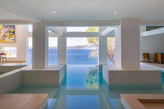 Внутри роскошного особняка Шона Коннери вофранцузской Ривьере, ценой 2,5 миллиарда