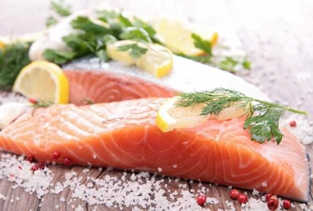 Для соления рыбы подходит множество душистых трав / Фото: img.7ya.ru