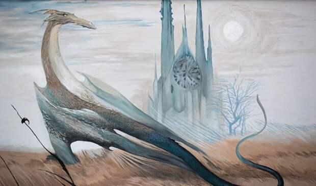 Гигантский дракон появился вцентре Екатеринбурга