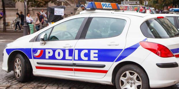 Женщина напала с ножом на полицейского во французском Бордо