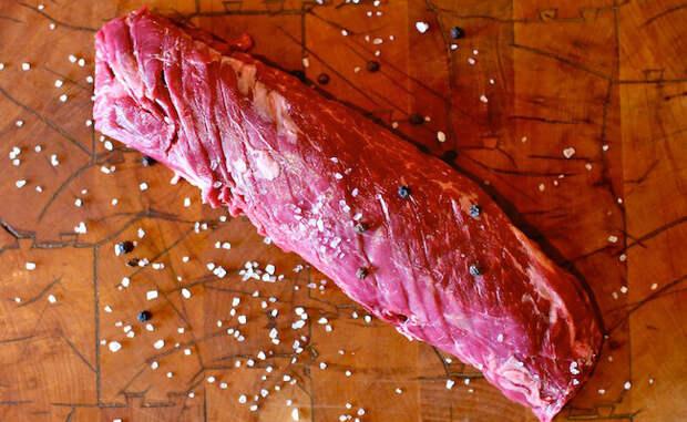 Смотрим на жирность мяса, а потом выбираем способ готовки. Разный жир готовится по-разному