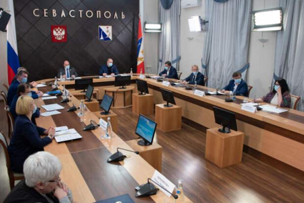 Правительство Севастополя оказало финансовую поддержку двум семьям