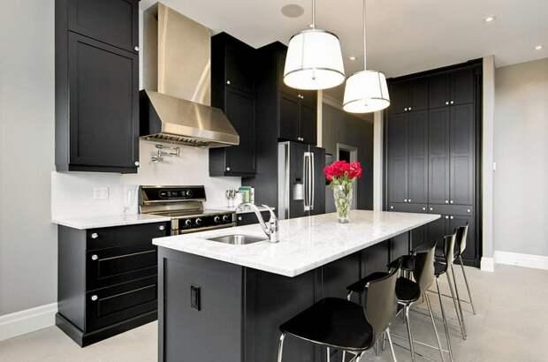 Один из самых лучших вариантов оформления кухни в черном цвете с помощью нестандартного промышленного стиля.