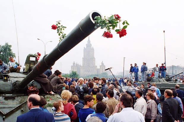 Протесты в Белоруссии сравнили с путчем ГКЧП
