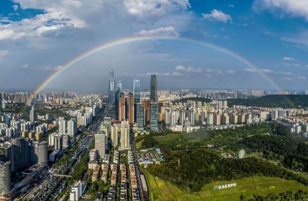 Фото дня: китайский Наньин после дождя