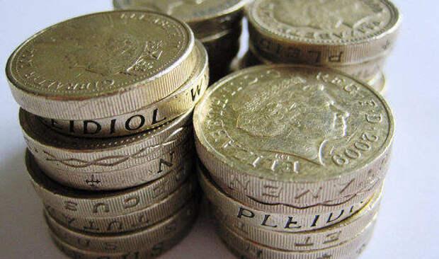 Фунт дорожает к доллару на внутренних новостях