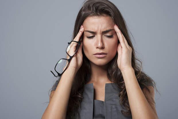 Невролог предупредил, что головную боль нельзя терпеть