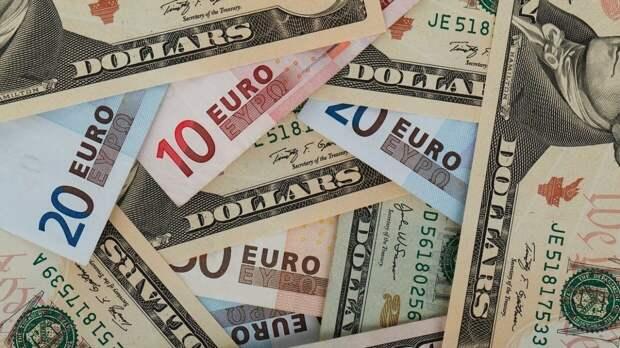 Специалист Тимошенко высчитал курс доллара и евро в 2021 году