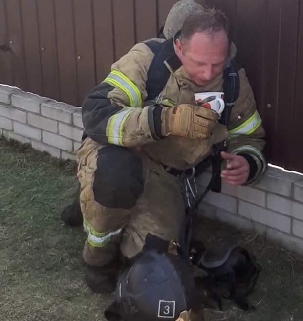 Помощь местных жителей пожарным Удмуртии попала на видео и набрала 2,6 млн просмотров в «Тик Токе»