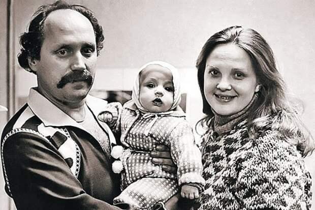 Владимир, Светлана и их сын Валерий