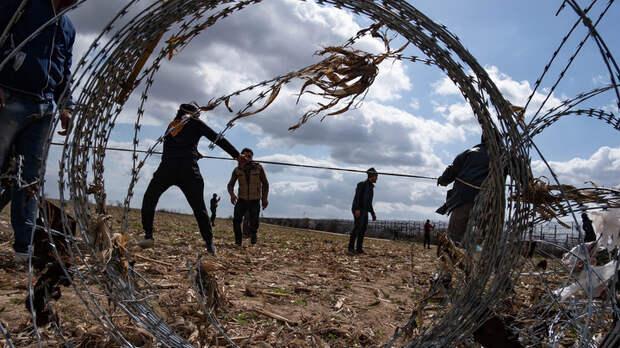 Предали своих граждан ради спасения мигрантов