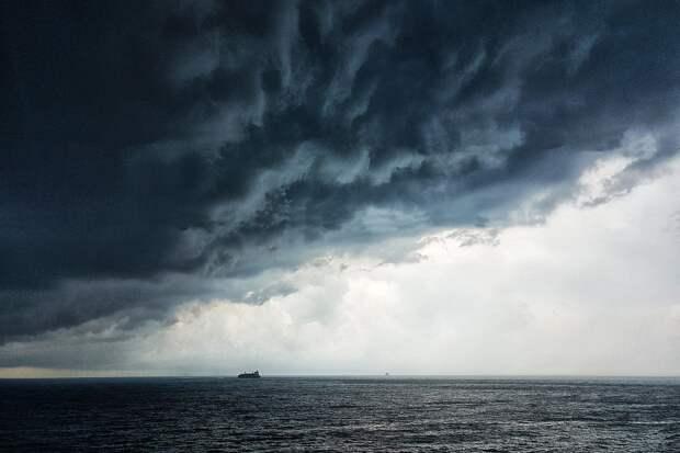 Политолог прокомментировал высказывание Путина об инциденте с британским эсминцем в Чёрном море