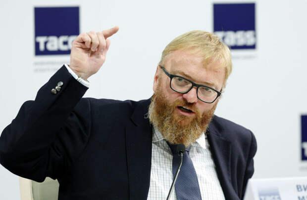 Милонов предложил ввести отметки для СМИ, распространяющих фейки