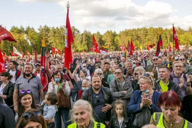 Мини-война за власть в Литве: натуралы против гомосеков