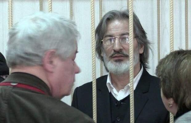 От тюрьмы и от сумы: российские актеры, получившие срок за убийство, педофилию и спекуляции