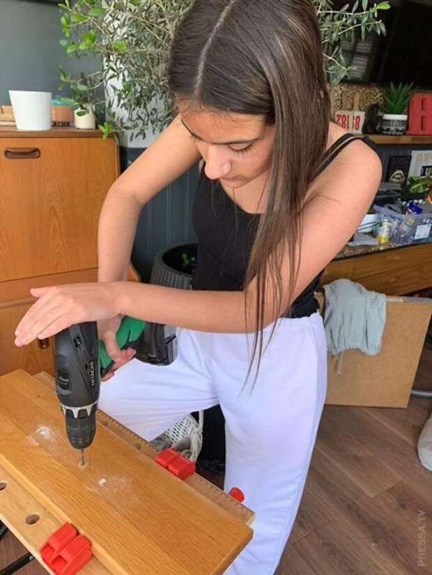 12-летняя девочка отремонтировала дом за неделю
