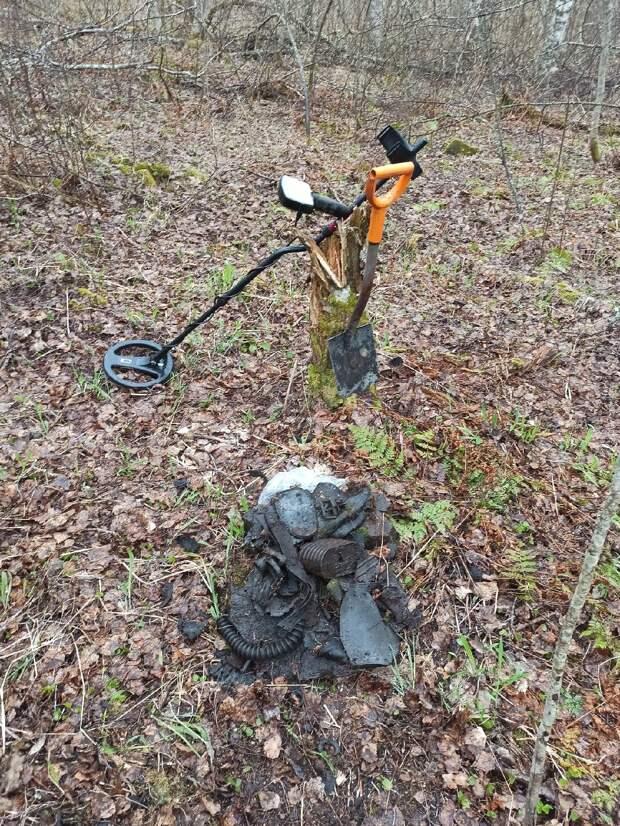 В Карелии поисковики нашли останки бойца Красной Армии