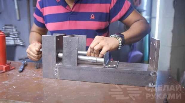 Как сделать тиски из гидравлического домкрата