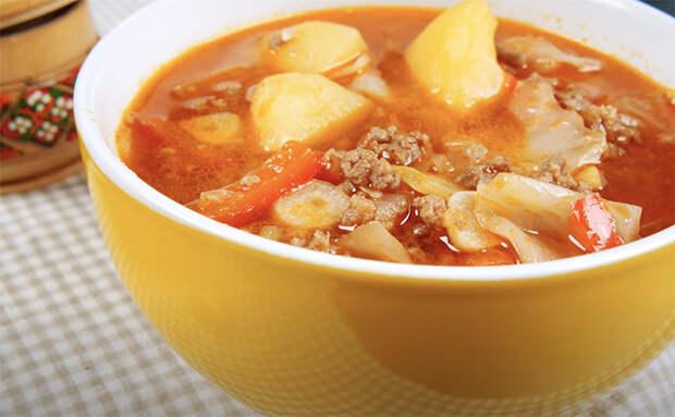 Берем 500 граммов фарша и делаем густой суп без мяса. Варится всего полчаса