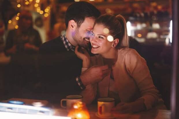 Какую еду не стоит употреблять на романтическом свидании
