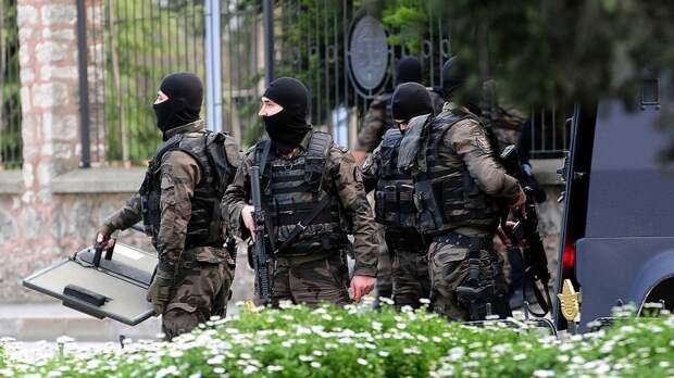 Турецкие силовики проводят спецоперации по поимке террористов внутри страны