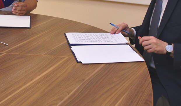Глава департамента в УрФО отмечает достаточность сил для тушения пожаров около Тюмени