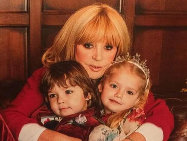 Пугачева выбрала учебное заведение для Гарри и Лизы и готова щедро платить за учебу
