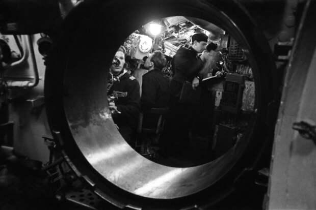 Отряд советских подлодок совершил кругосветное плавание 55 лет назад