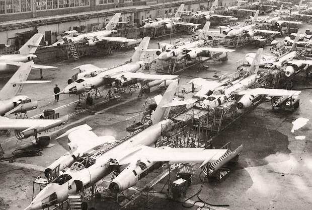 Иркутскому авиационному заводу – 85 лет