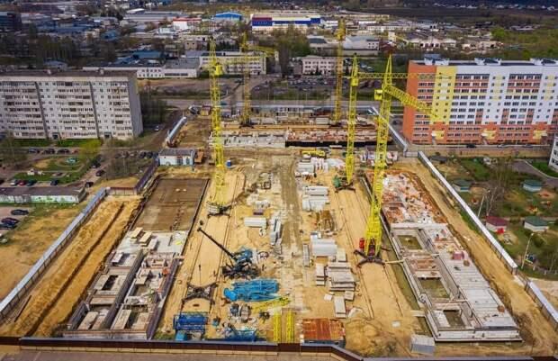 В Твери продолжается строительство нового жилищного комплекса для переселения жителей Морозовских казарм