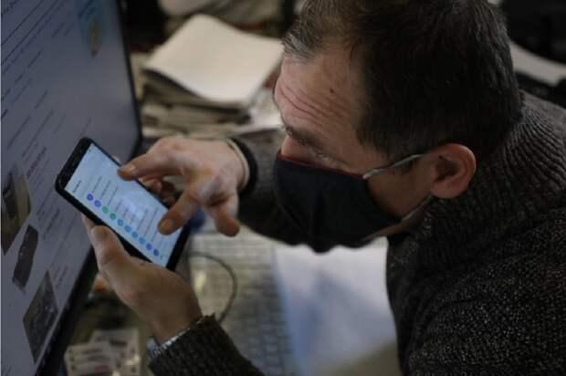Мошенники позвонили нижегородке 25 раз и уговорили перевести более 380 тысяч рублей