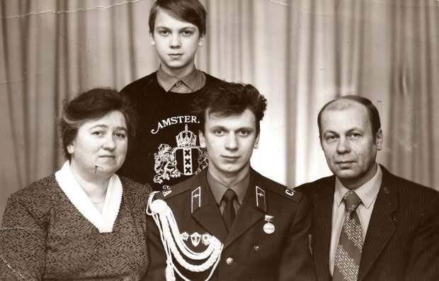 Почему Сергей Светлаков развелся с женой и как подружил дочку с новой супругой