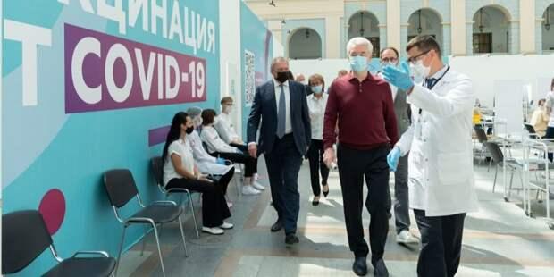 Число вакцинированных первым компонентом в Москве достигло 3 млн человек